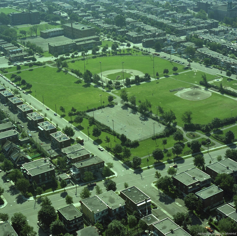 Parc Beaubien, septembre 1976, VM94-B209-031