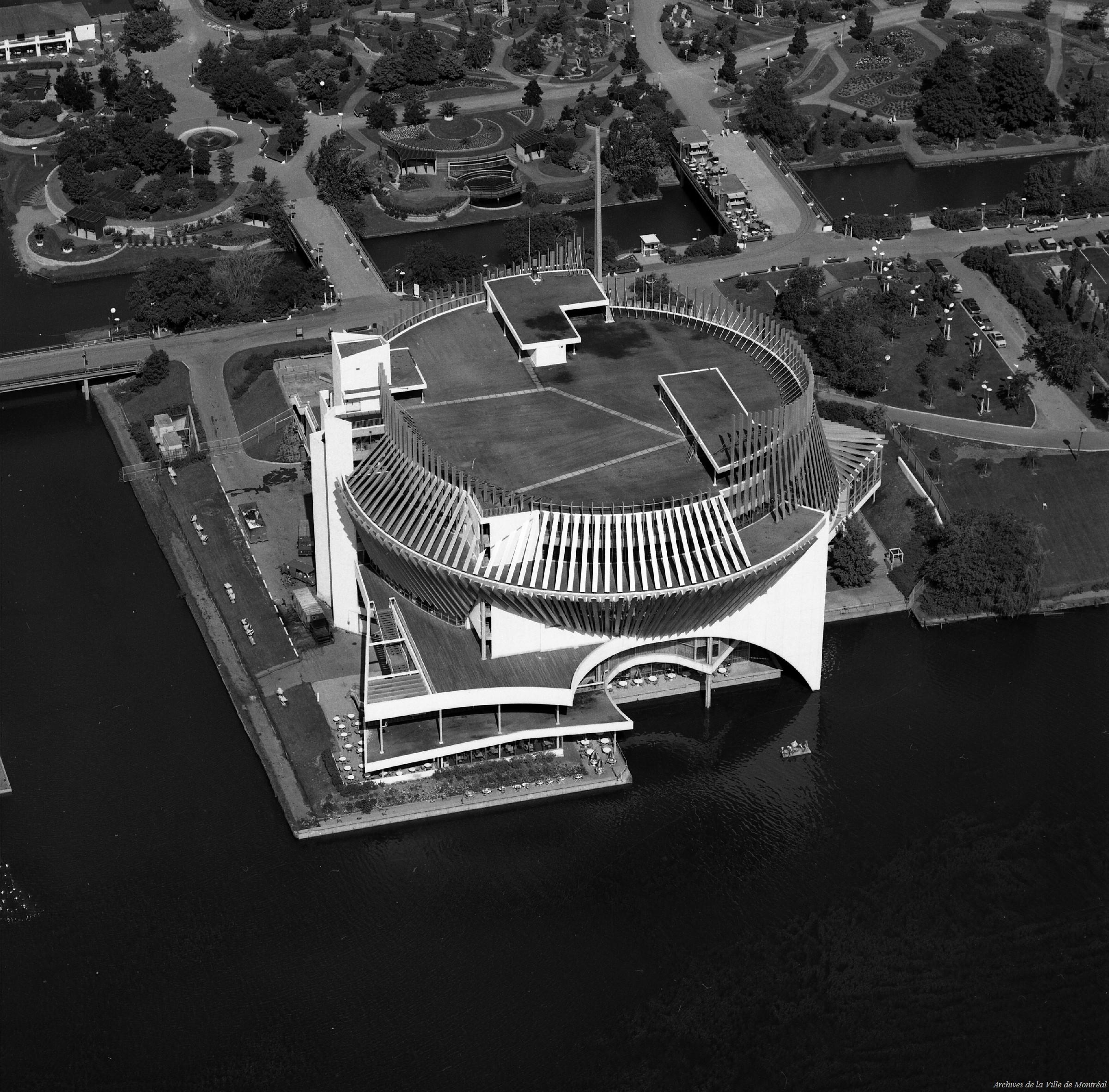 Palais de la civilisation, 12 juillet 1985, VM94-B260-002