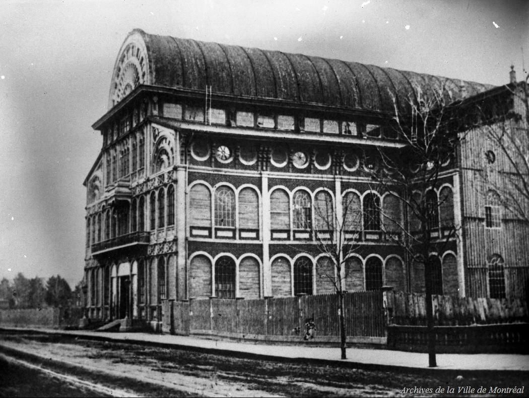 Montréal : Le Palais de Crystal, rue Sainte-Catherine. D'après une photogravure effectuée à partir d'une oeuvre originale de Notman de 1866, Reproduction d'Edgar Gariépy, après 1939, BM42-G1485
