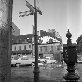 Coin Saint-Paul et place Jacques-Cartier (Maison Du Calvet). - 14 mars 1963.