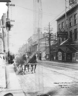 Amherst and St. Catherine Sts. : View East / Rice Studio Limited . - 20 mars 1914
