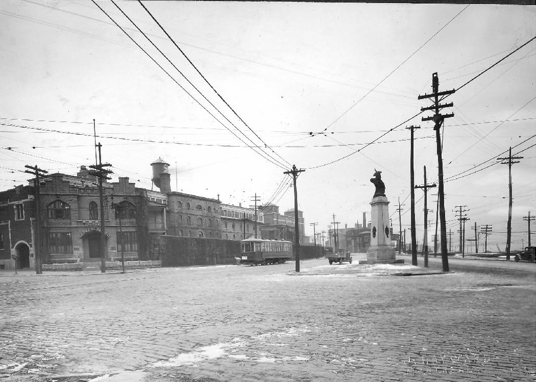 Place des Patriotes : Looking East from the bridge / S.J. Hayward . - [192-?] CA M001 VM098-Y-D1-P027