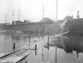 Lachine Canal Crossing . - 7 avril 1928