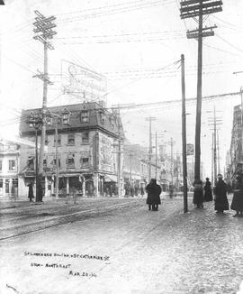 St. Lawrence Boulevard & St. Catherine Street View Northeast : Before . - [20 mars 1914]