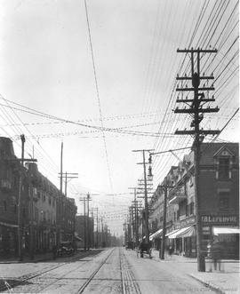 St. Catherine St. looking West towards Davidson St. : Before / S.J. Hayward . - 17 mai 1926