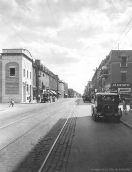 St. Catherine St. looking West towards Davidson St. : After / S.J. Hayward . - 1930
