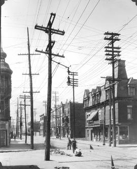 St. Catherine St. looking West from Préfontaine : Before / S.J. Hayward . - 1926