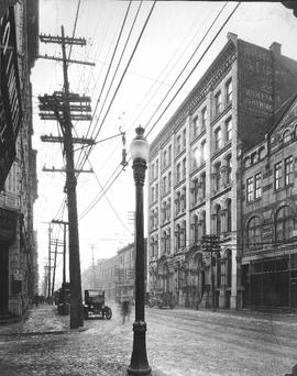 Notre-Dame looking West from St. Henry Street / S.J. Hayward . - 28 janvier 1927