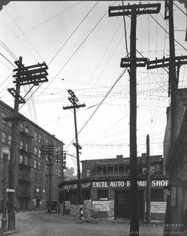 Vitre St. looking East at St. George / S.J. Hayward . - 1er février 1927