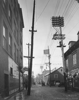 St. Urbain St. looking North at Dorchester : Before / S.J. Hayward . - 1er janvier 1927