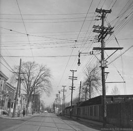 Wellington Street : Looking East from Charlevoix Street . - 1937