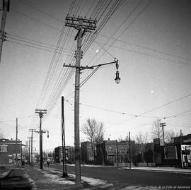 Hochelaga St. east of Pie.IX. - [9194-]