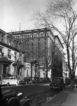 Hôtel Mont-Royal: Rue Peel . - 9 avril 1936