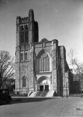 Eglise Saint-Andrew and Saint-Paul angle Sherbrooke et Redpath . - 26 mars 1936