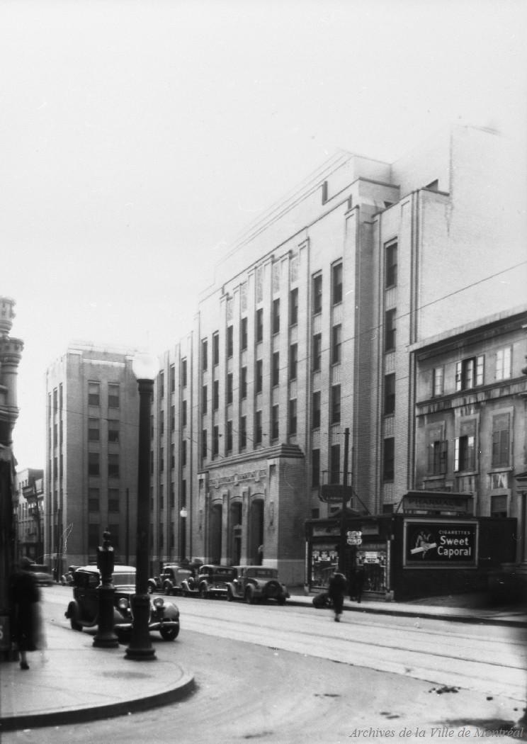 Hôpital Saint-Luc rue Saint-Denis . - 8 avril 1936 CA M001 VM094-Y-1-17-D0120