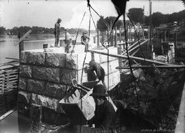 Construction du pont de Cartierville . - [192-]