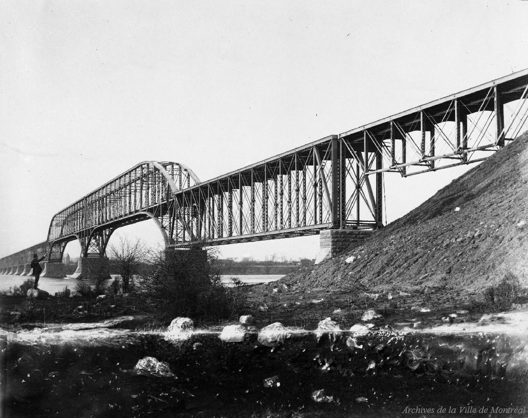 Pont Lachine [ca 1900] / Leclerc . - Reproduction le 13 janvier 1969, CA M001 VM094-Y-1-17-D1687
