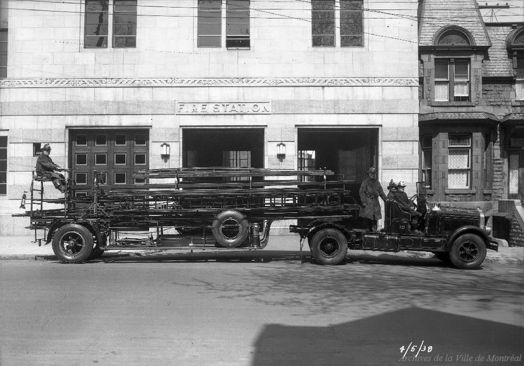Poste #10 rue Saint-Mathieu, 4 mai 1938, VM094-Z199-02