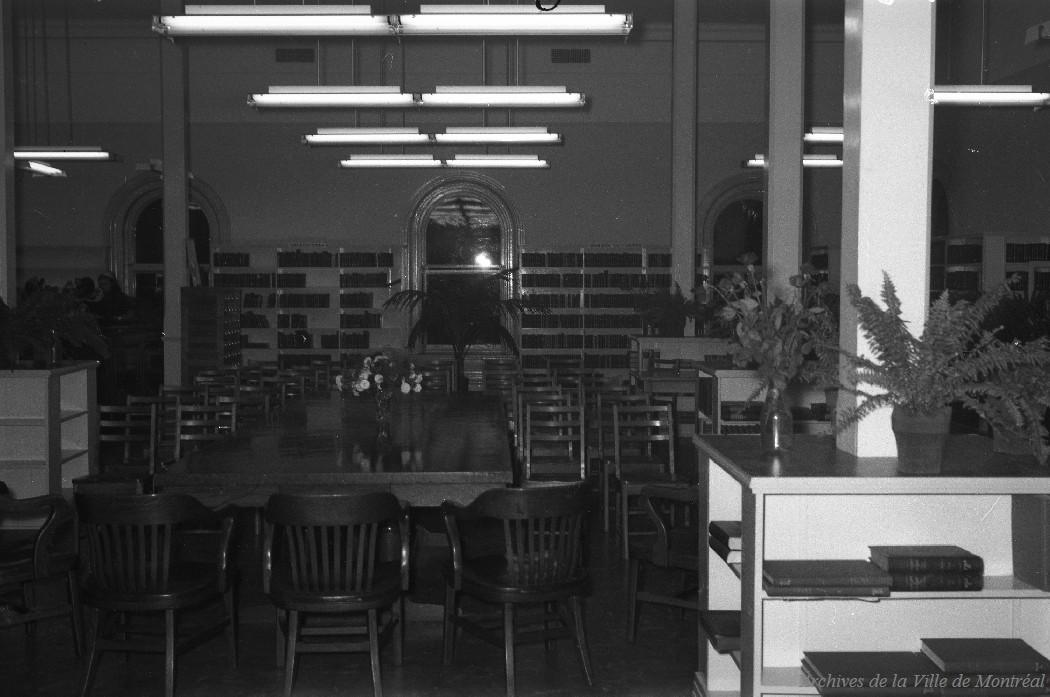 Ouverture de la succursale Hochelaga, Bibliothèque, 27 septembre 1948, VM94-Z403-2