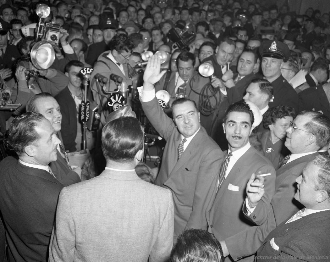 Élection de maire Sarto Fournier : Hall d'honneur de l'hôtel de ville, 28 octobre 1957, VM94-Z697-02