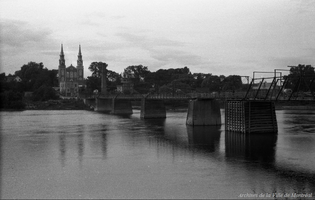 Sainte genevi ve de batiscan vue du pont et de la fa ade - Piscine sainte genevieve ...