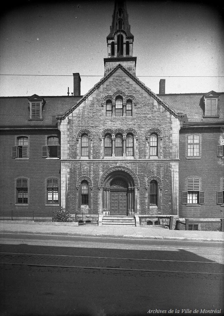 Montréal : Chapelle Nazareth / Edgar Gariépy . - 1922 CA M001 BM042-Y-1-P1512