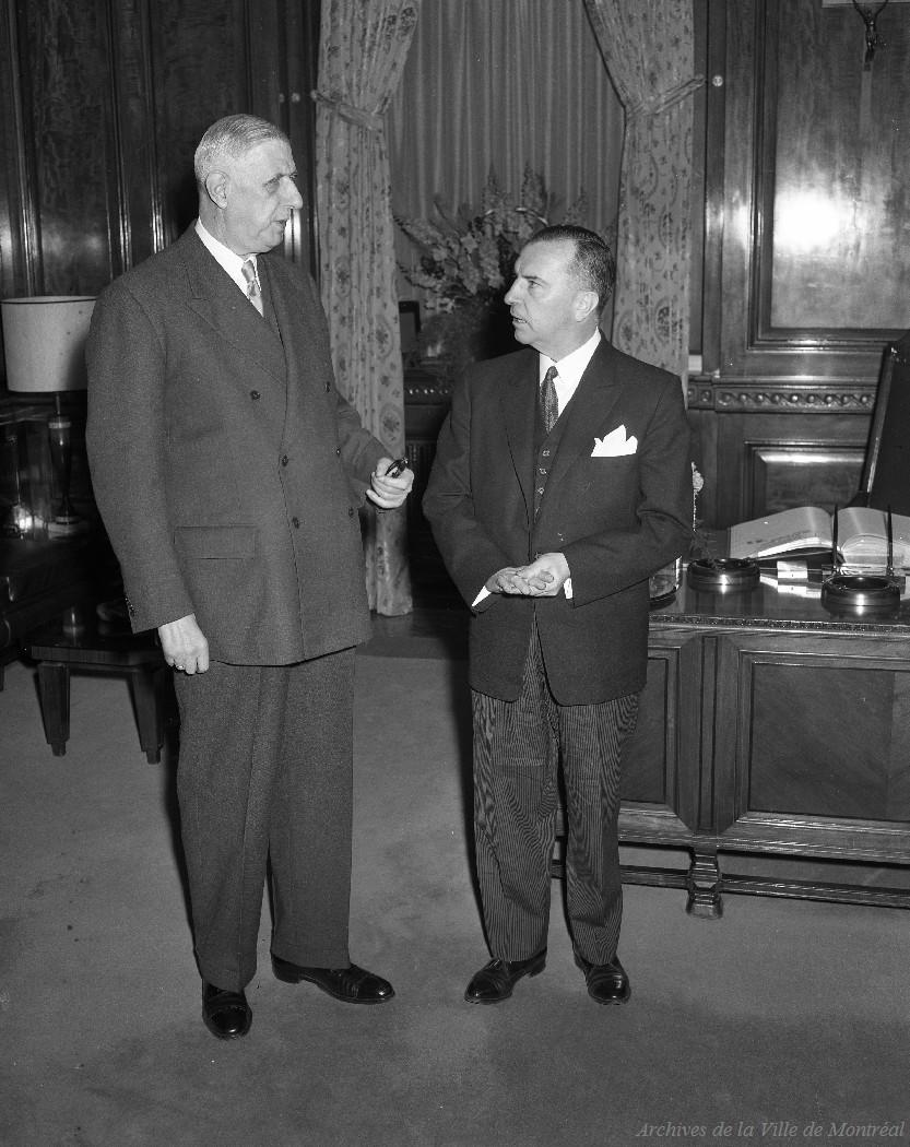 Charles de Gaulle et Sarto Fournier / Rhéal Benny . - 21 avril 1960 CA M001 VM094-Y-1-17-D1507-P09