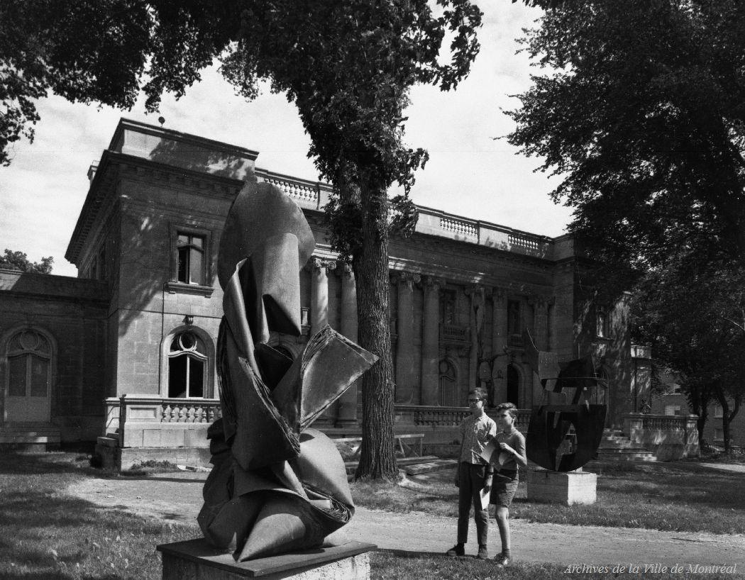 Musée d'Art contemporain, Château Dufresne, 20 septembre 1966. VM94-A0384-001